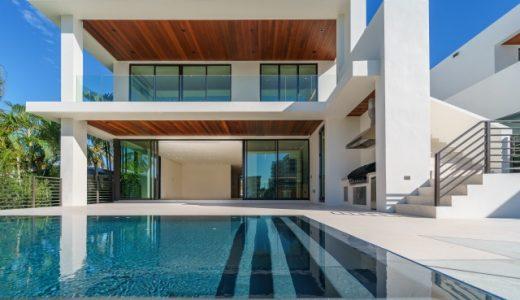芸能人のプール付きの家まとめ!ロンブー淳の自宅大型プールも話題に!